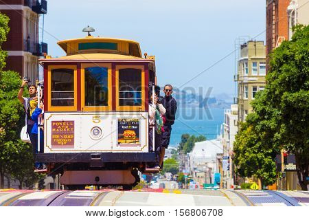 San Francisco Bay Coming Cable Car Front Close H