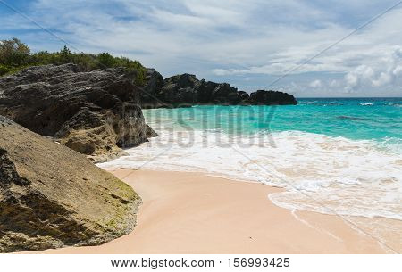Horseshoe Bay is perhaps the most famous beach in Bermuda. A very popular tourist spot it lies on the main island's south (Atlantic Ocean) coast in the parish of Southampton.