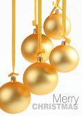 Постер, плакат: Желтый Рождественские шары на белом фоне