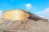 picture of noah  - Johan Huibers in the netherlands start build de ark of Noah - JPG