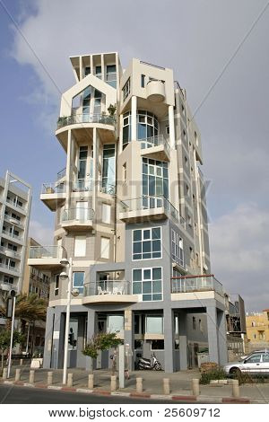 gaudi style building in tel aviv