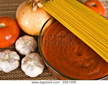 Spaghetti Sauce & Ingredients