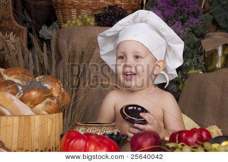 Menino bonito chapéu de chef de cozinha