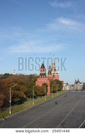 Moscow. Kremlin. Vasilyevskiy spusk.