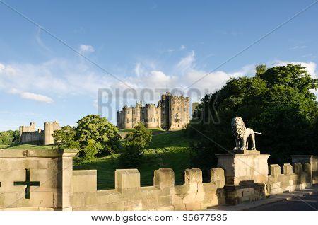 Castelo de Alnwick, da ponte de Leão