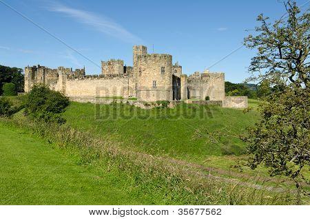 Castelo de Alnwick, em todo o fosso