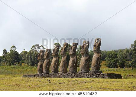 Zeven moai platform, Eastern eiland, Chili