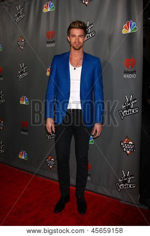 LOS ANGELES - MAY 8:  Josiah Hawley arrives at