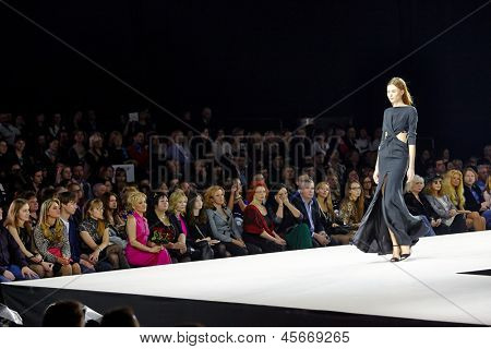 MOSCOW - APR 4: Model walk at podium in Gostiny Dvor during Valentin Yudashkin show at opening of 27th Volvo Fashion Week, April 4, 2012, Moscow, Russia.