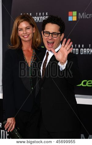LOS ANGELES - MAY 14:  JJ Abrams and Katie McGrath arrive at the
