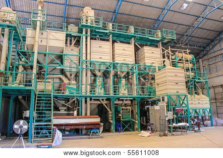 Large Modern Rice Mills In Thailand.