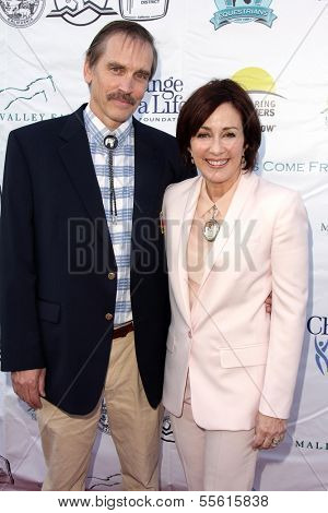 LOS ANGELES - MAY 18:  Bill Moseley, Patricia Heaton at the 6th Annual Compton Jr. Posse Gala  at Los Angeles Equestrian Center on May 18, 2013 in Los Angeles, CA