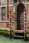 picture of tenement  - Venice - JPG