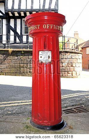 Victorian postbox, Warwick.