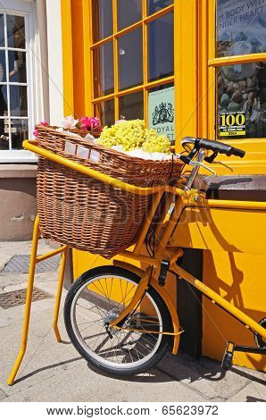 Bike with wicker basket, Stratford-upon-Avon.