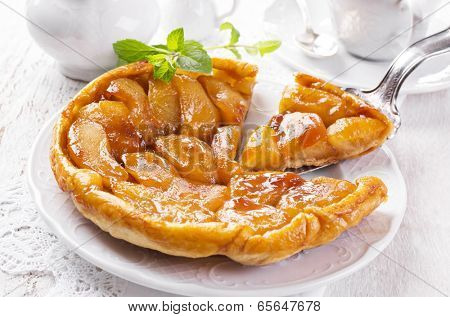apple pastry tarte tatin