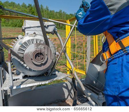 Repair Oil Equipment