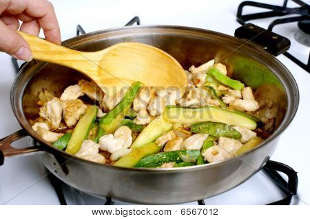 Chicken And Zucchini Stir-fry
