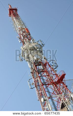Tower with broadcast antenna system