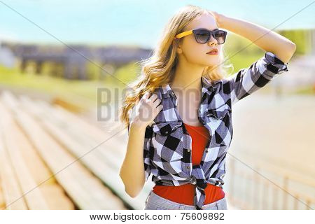 Fashion Portrait Stylish Woman In Sunglasses, Modern Beautiful Girl In The City