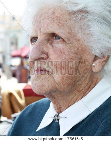 alte Dame portrait