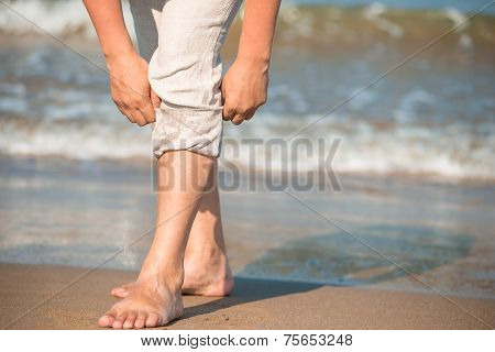 Barefoot Male Tuck Pants Not To Wet