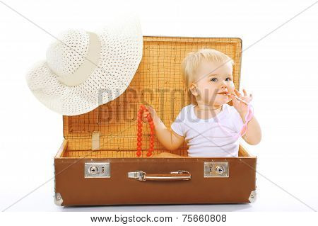 Travel, Children, Vacation - Concept. Cute Funny Baby Playing In Sunglasses And Summer Straw Hat Loo