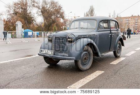 Samara, Russia - November 7, 2014: Vintage German Car Opel Kadett 1939 On The Kuibyshev Square