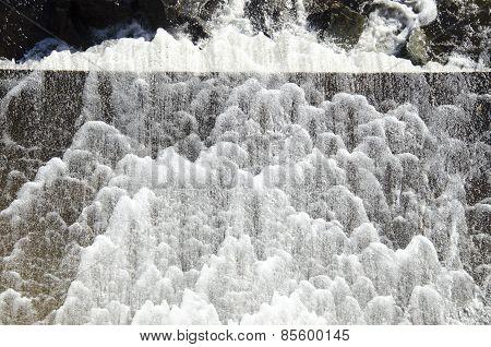 Water Foam Dam