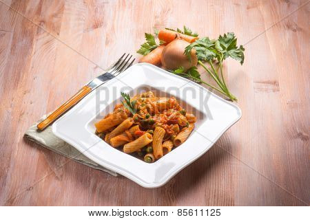 pasta with vegetables ragout and peas
