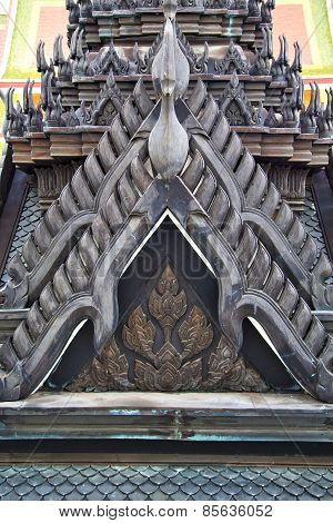 Roof  Gold    Temple   In   Bangkok  Black