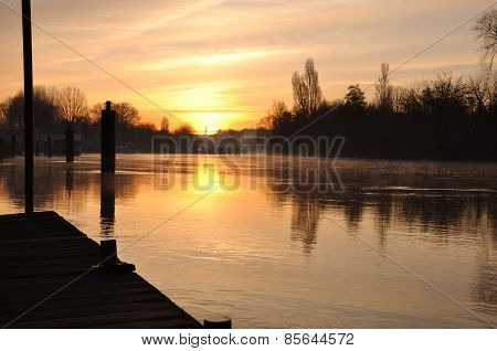 sunrise on the bank of the Marne