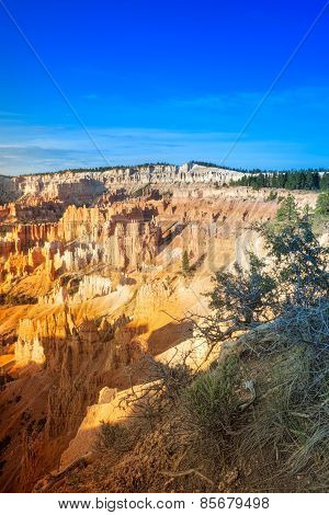 Line Of Long Sandstone Cliffs Of Bryce Canyon National Park In The Morning, Utah, Usa