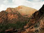 picture of naturel  - view of nice giant rock in Zion  national park - JPG