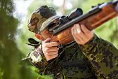 image of army soldier  - hunting - JPG