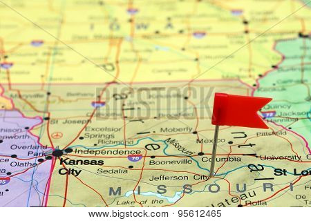 Jefferson City pinned on a map of USA