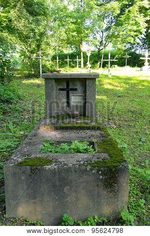 Old Forgotten Grave