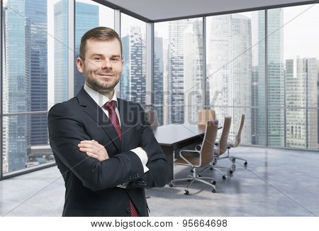 Confident Consultant In A Corner Conference Room. Modern Office With Huge Windows And Amazing Singap
