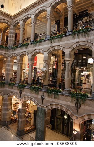 Magna Plaza Shopping Centre