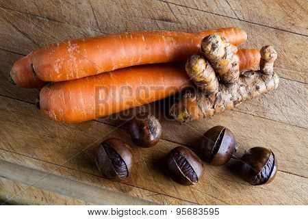 Carrots, turmeric root and chestnuts
