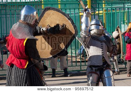 Two Knights Fight