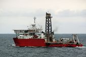 foto of rig  - marine research vessel - JPG