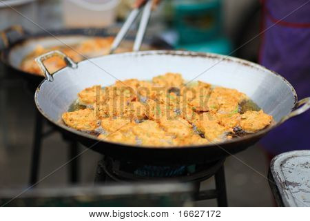 photo of a frying pan on stove