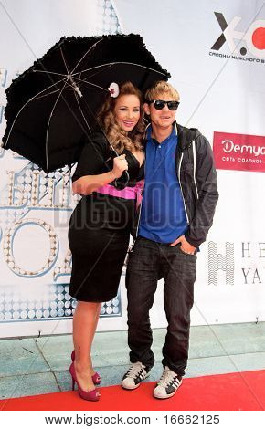 MOSCOW - JUNE 1: Russian Vj Anfisa Chekhova and Mitya Fomin. Premiere of