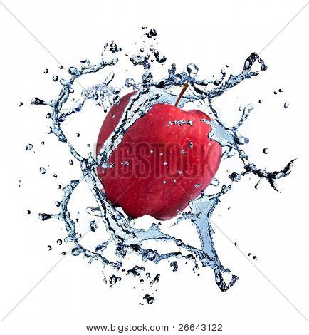 red Apple with Water Splash, isoliert auf weißem Hintergrund