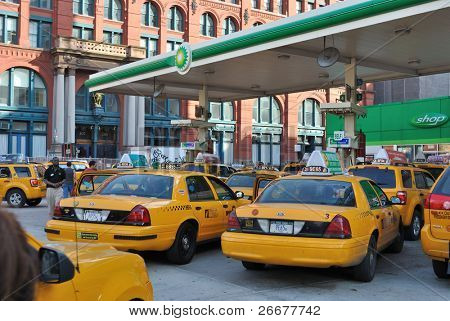 NEW YORK CITY - APRIL 8: Taxis line up for gas at a BP right before an anticipated price hike on April 8, 2010 in New York, New York.