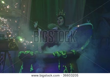 Wicked Witch Finishing Apple Spell