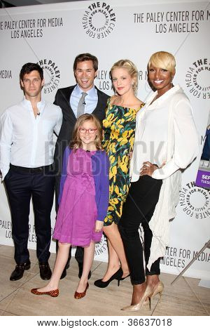 LOS ANGELES - SEP 5:  Actors Justin Bartha, Andrew Rannells, Georgia King, Bebe Wood, NeNe Leakes arrive at