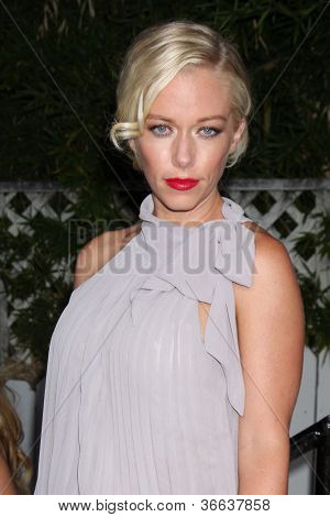 LOS ANGELES - SEP 6:  Kendra Wilkinson arrives at the