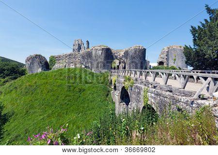 Corfe Castle & Bridge